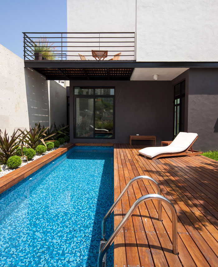 mexican house pool area