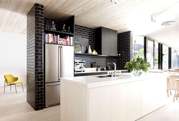 brick-house-kitchen