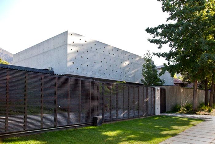 dynamic-chilean-house
