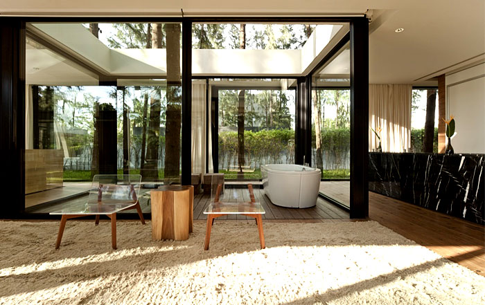 floor to ceiling bathroom design