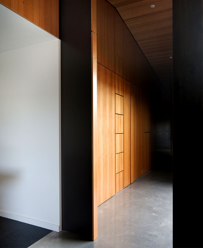 functional-hover-house-interior