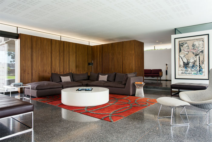interior-design-house-clear-lines-comfortable-furniture