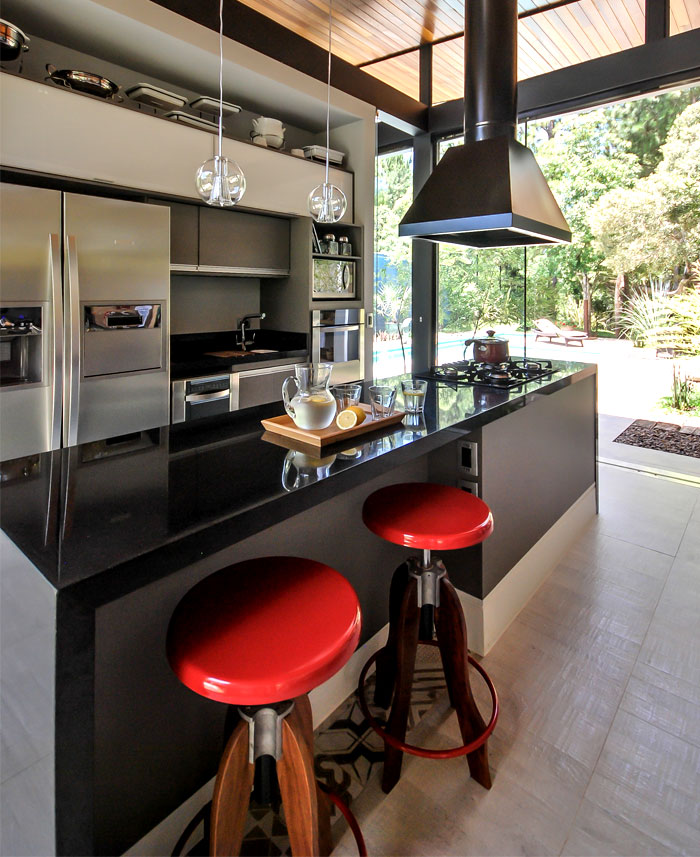 kitchen-warm-wood-cladding-furnishing