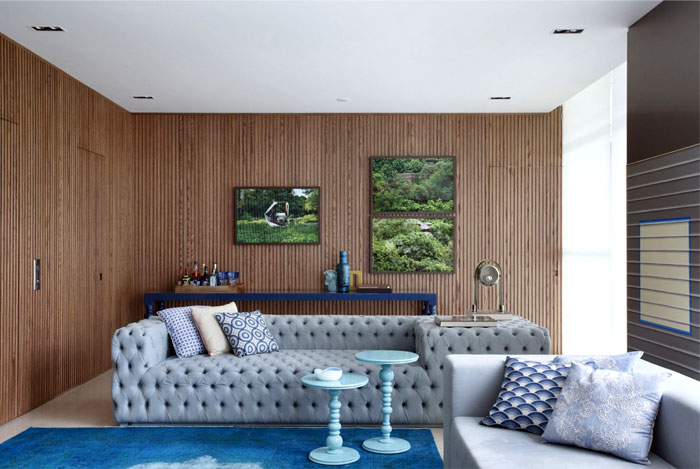 living-room-walls-coated-oak