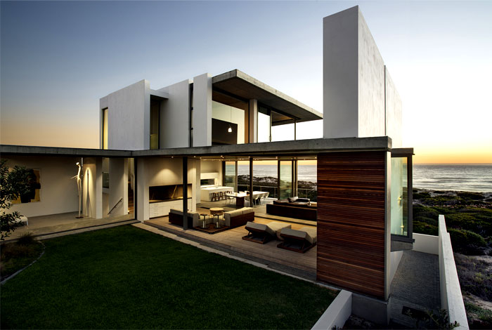 modernist-building-magnificent-sea-views
