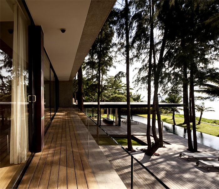 seafront vacation villa