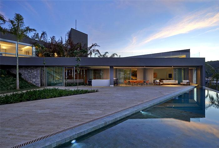 vale-dos-cristais-residence-pool-area