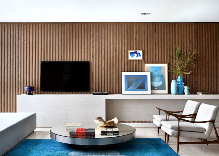 walls-coated-oak-living-room-interior
