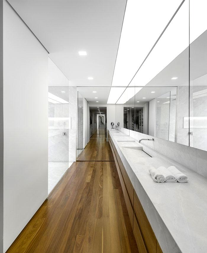 al-house-studio-arthur-casas-bathroom