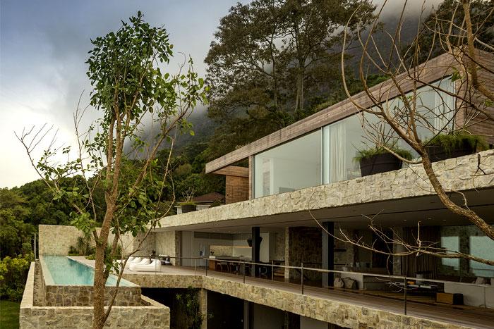 al-house-studio-arthur-casas-large-glass-panels
