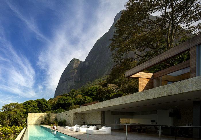 al-house-studio-arthur-casas-pool-area