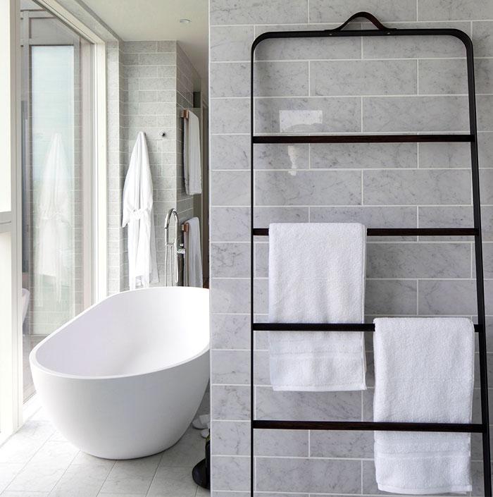 bathroom-decor-carrara-marble-tiles
