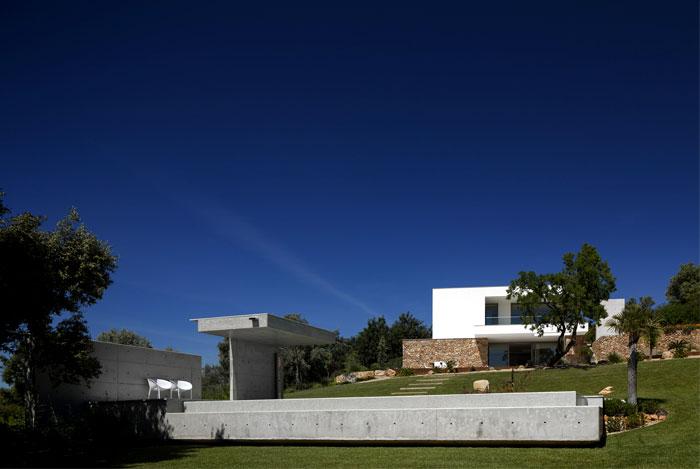 portuguese-summer-villa-12