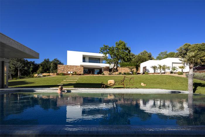 portuguese-summer-villa-9