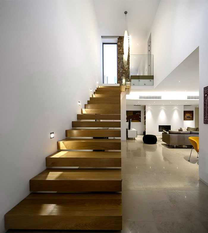 portuguese-summer-villa-staircase