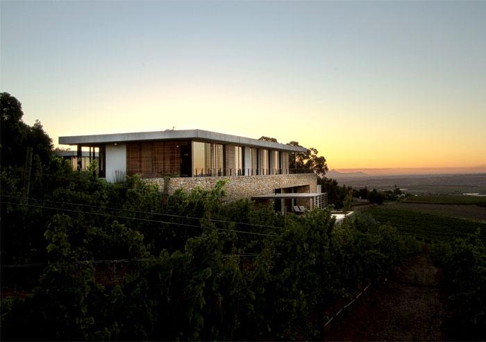 romantic-vineyard-villa
