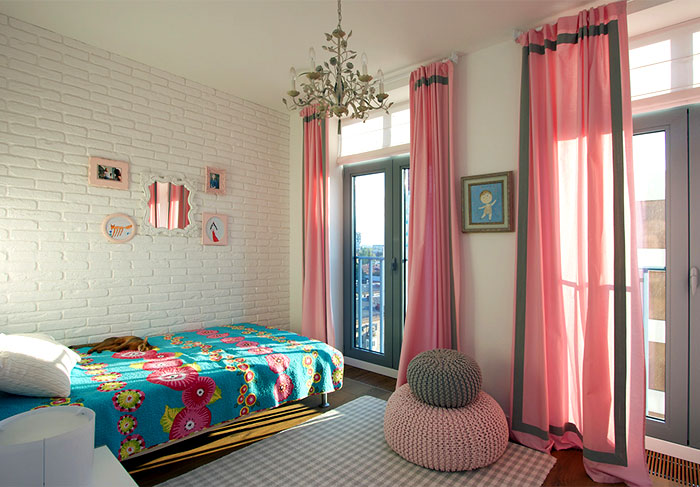 sophisticated-studio-apartment-bedroom