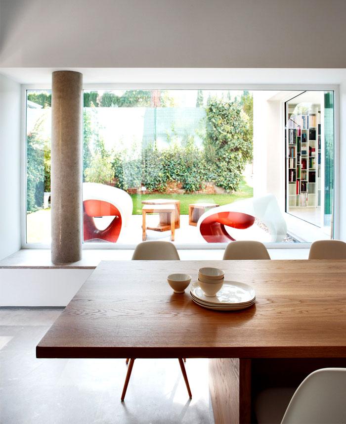 casa-cambrils-dining-area