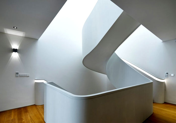 dramatic-spiral-staircase-2