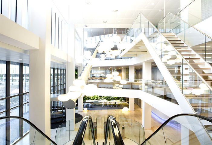 reception-lobby-water-bar