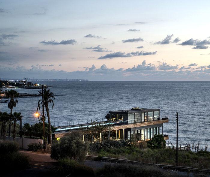 sea-side-landscape-location-lebanon-villa