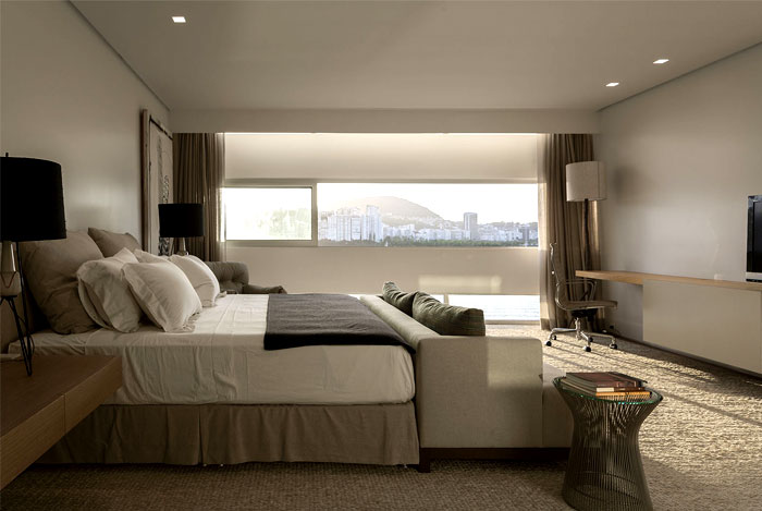 ultra-luxury-penthouse-bedroom
