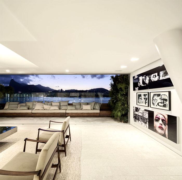 ultra-luxury-penthouse-living-room