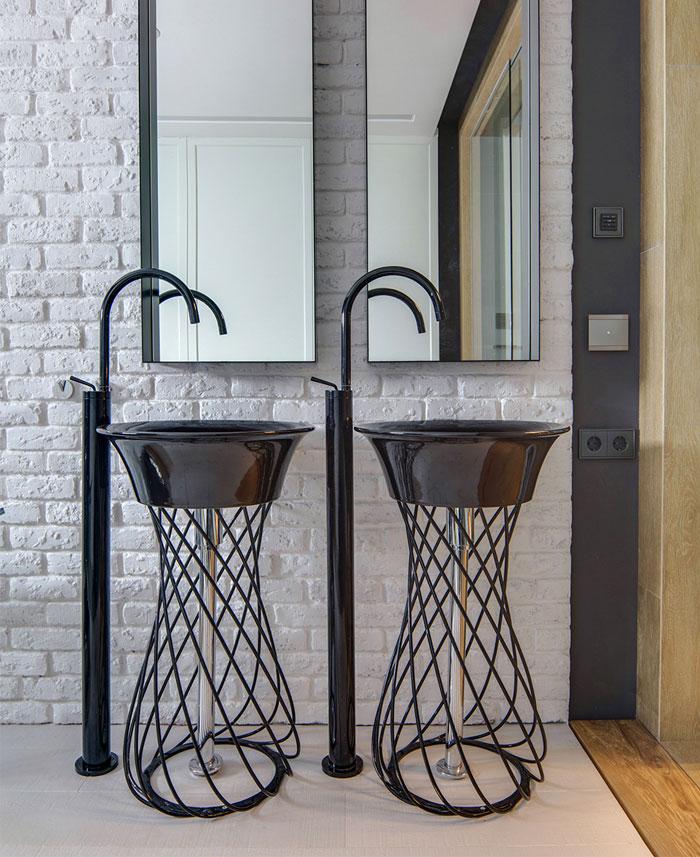 elegant-decor-elements-urban-loft-bathroom