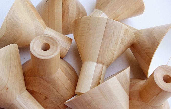 natural-maple-wood-antek-lamp-2