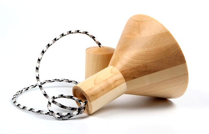 natural-maple-wood-antek-lamp