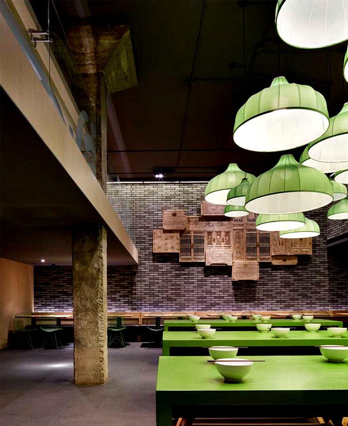 tasteful-combination-vintage-elements-contemporary-urban-architecture