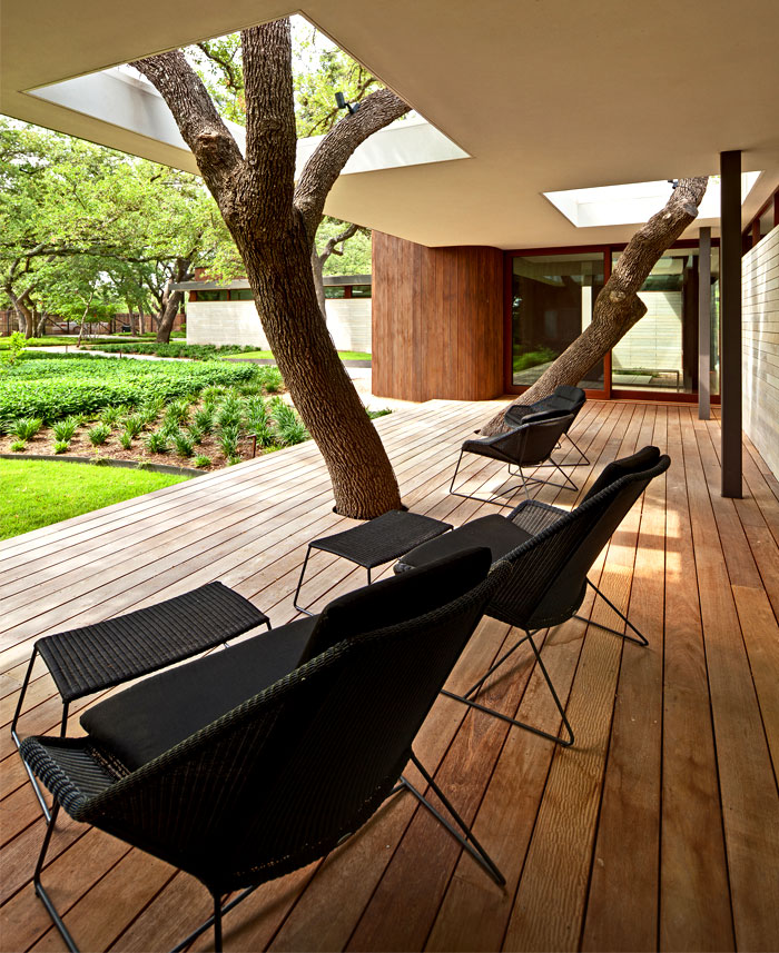 trees-incorporated-front-porch