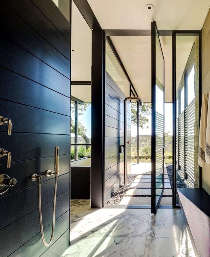 casually-elegance-ranch-bathroom