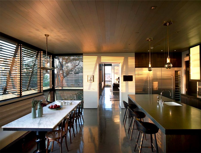 casually-elegance-ranch-kitchen