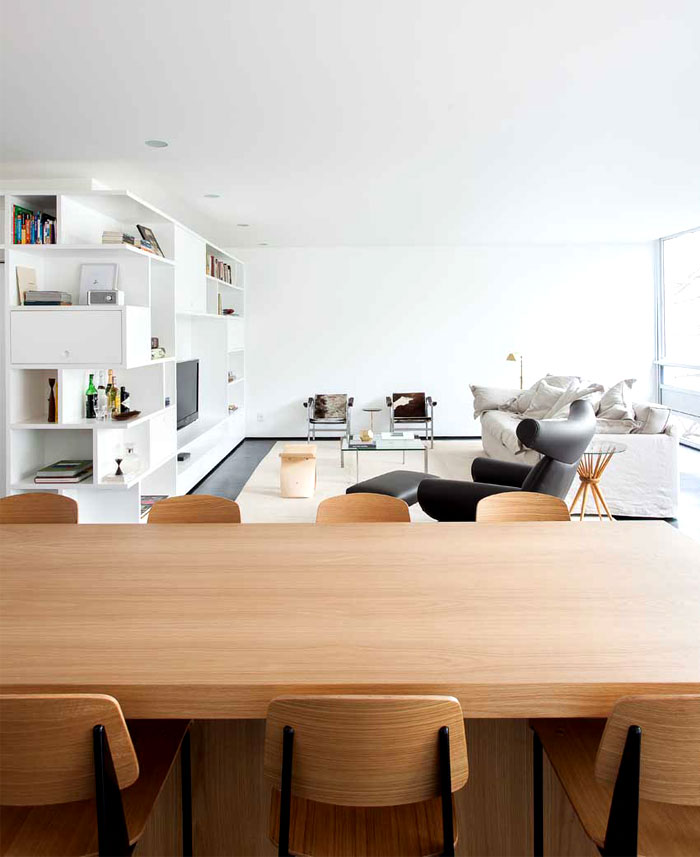 clean-elegant-dining-space