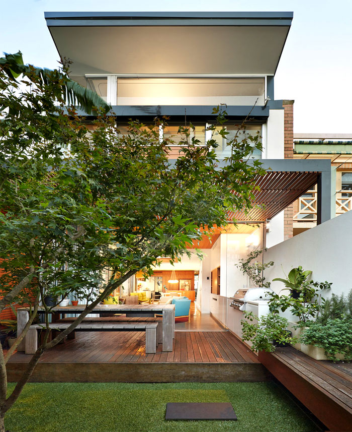 colourful-open-family-home-2