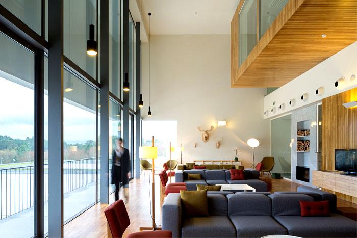 lounge-area-meeting-room-hotel-minho
