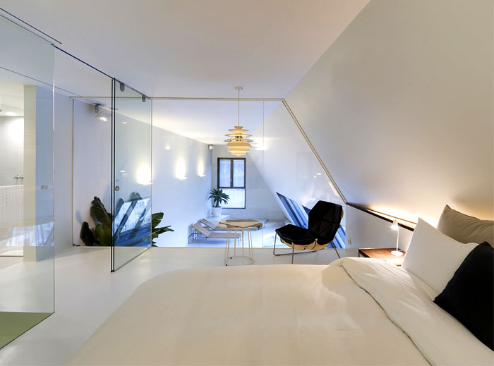 pure-white-bedroom