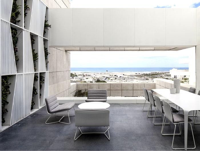 white-monochromatic-terrace