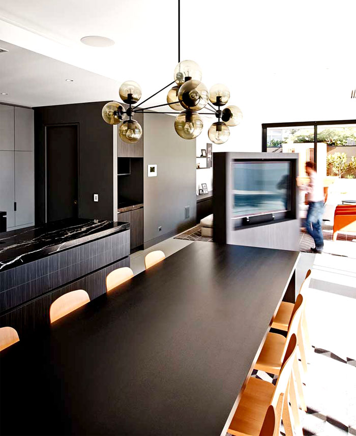 dynamic-modern-artistic-dining-area-interior