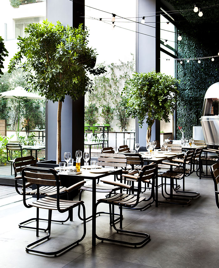 Urban Garden Restaurant in Athens - InteriorZine