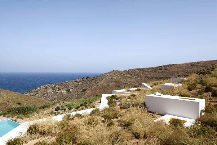 green-roofs-mediterranean-house