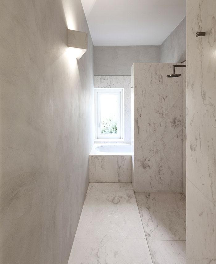 mediterranean-house-bathroom