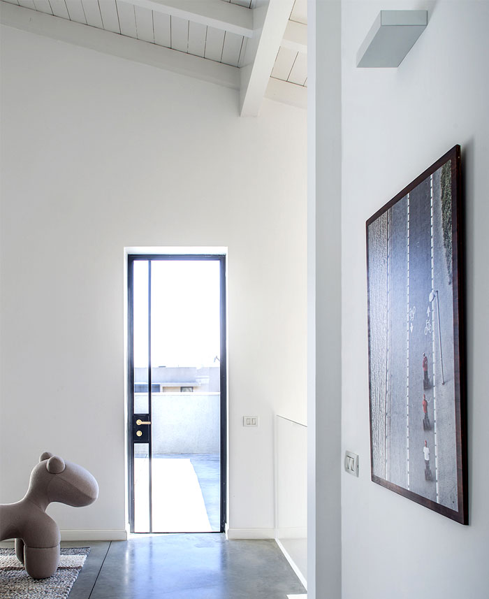 modern-semi-detached-house-interior