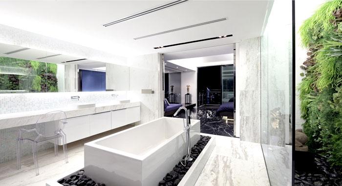 penthouse-interior-green-wall-decor