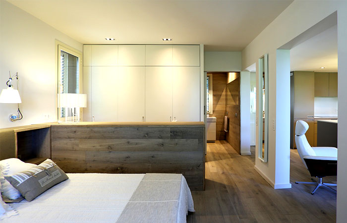 warm-charm-guest-house-interior