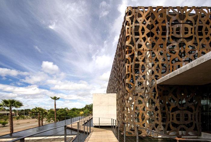 concrete-structure-clad-weathering-steel
