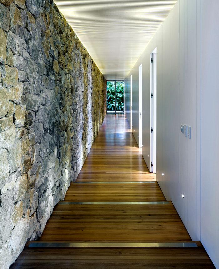 modern-architectural-volumes-clad-stone