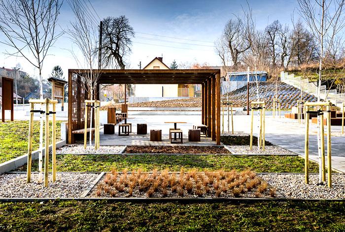 public-space-greenery-arrangement-3xa-6