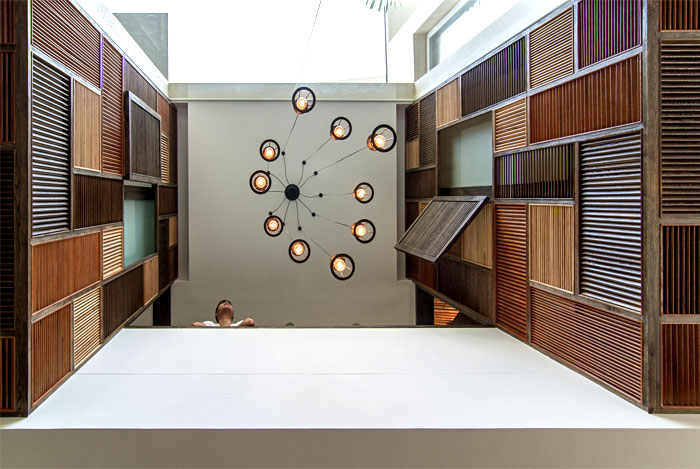 wooden-ceilings-bring-cozy-comfort